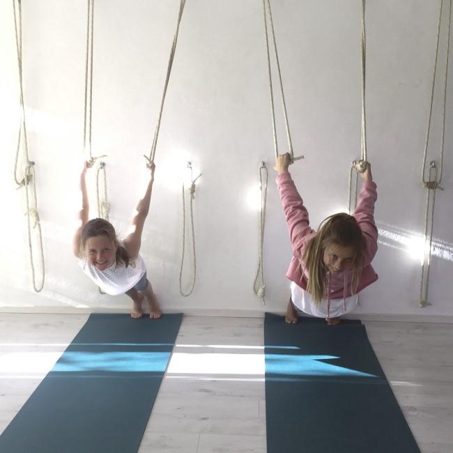 Kids Yoga: Jo Longhurst